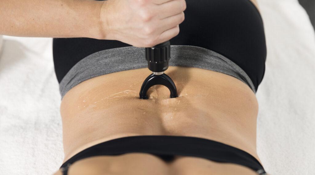 Behandlung der Rückenfaszie (BWS) mit PERI-ACTOR)
